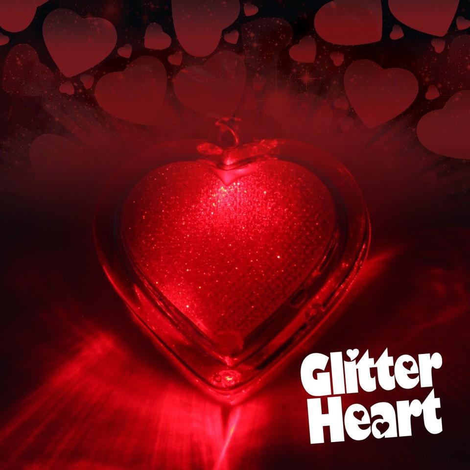 Flashing Glitter Heart Necklaces Wholesale